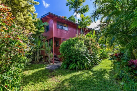 Beautiful Hanalei House - Near Beach & Town