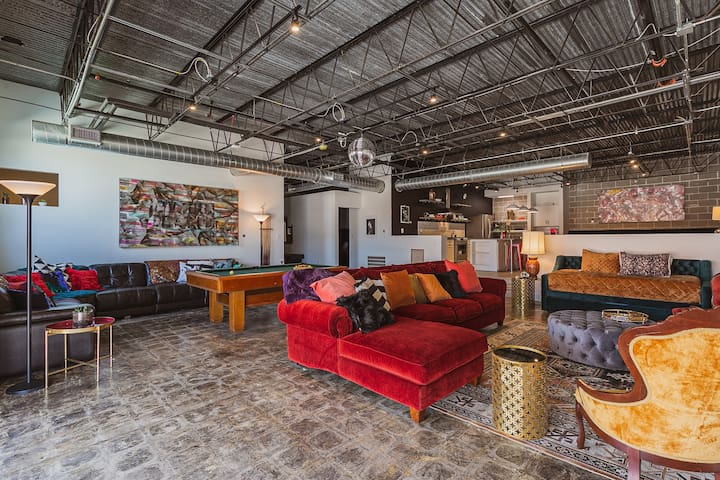 Texas Avenue BNB | The Disco Suite