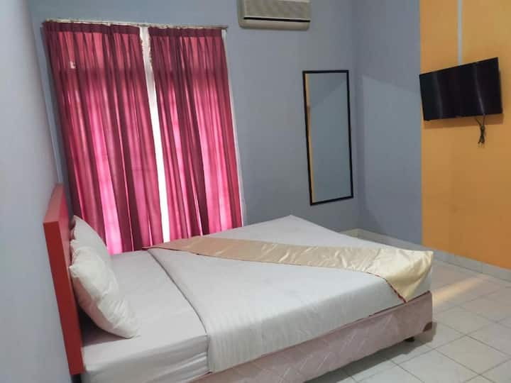 Free Wi-Fi & TV at Guest House F18 Cendrawasih
