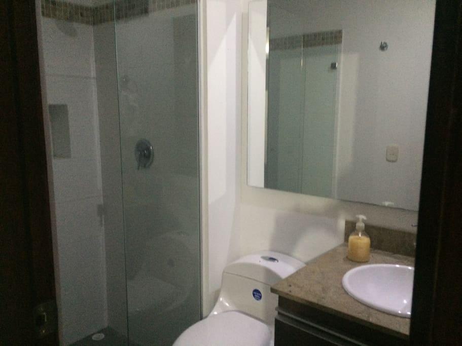 Baño/Bathroom