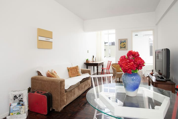 Convenience in the Heart of Floripa