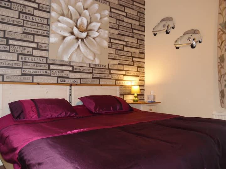 King bed En-suite in Kirk Lea Guest House