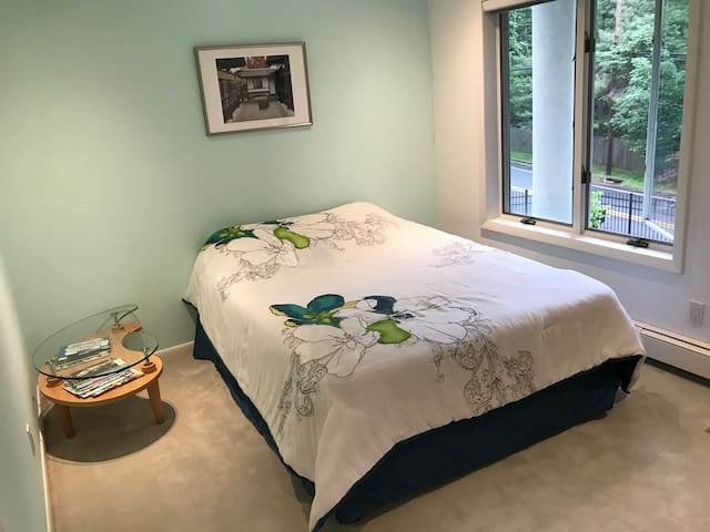 Close to NYC, Private bedroom with bathroom
