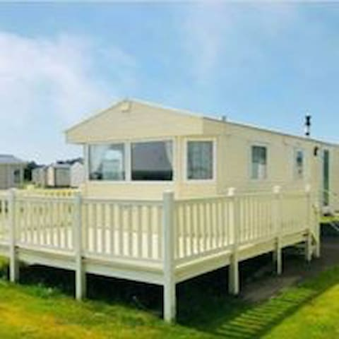 Family & Pet Friendly Caravan in Embo