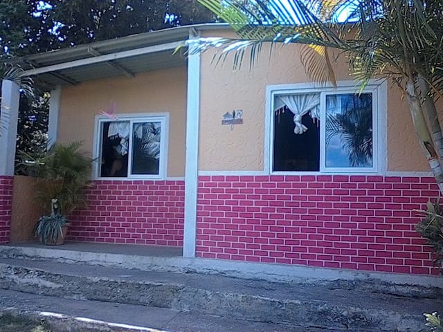 Casa Humilde ideal para residenciar