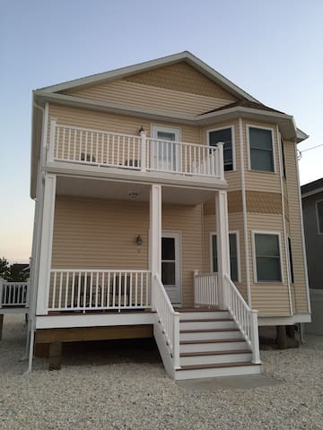 New Beach House - 1/2Block to Beach - Lavallette - Casa