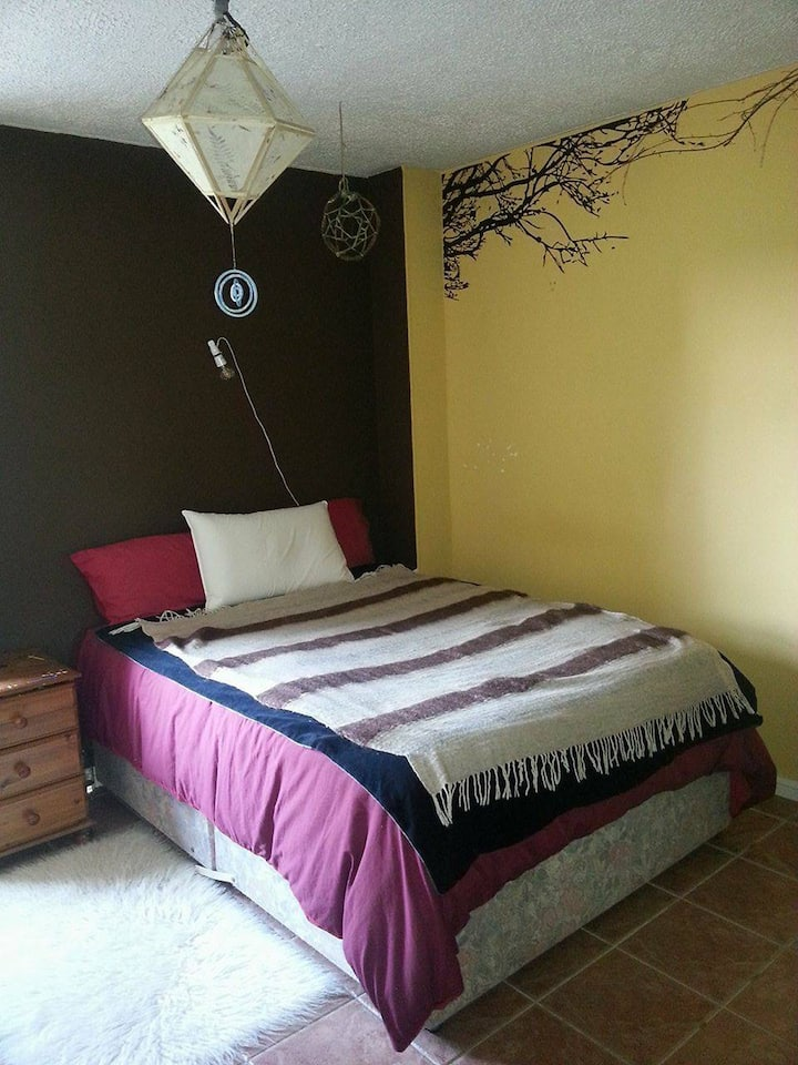 Spacious,bright double bedroom in Salthill,Galway