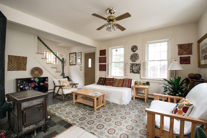 Nice Bedroom in Cute House