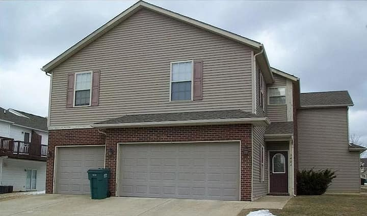 Nice duplex house near Purdue University for rent