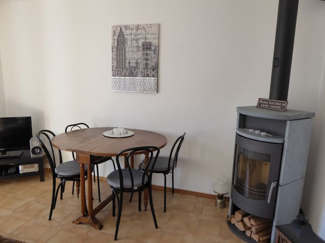 Cozy two room apartment with pool - Brissago - Apartamento