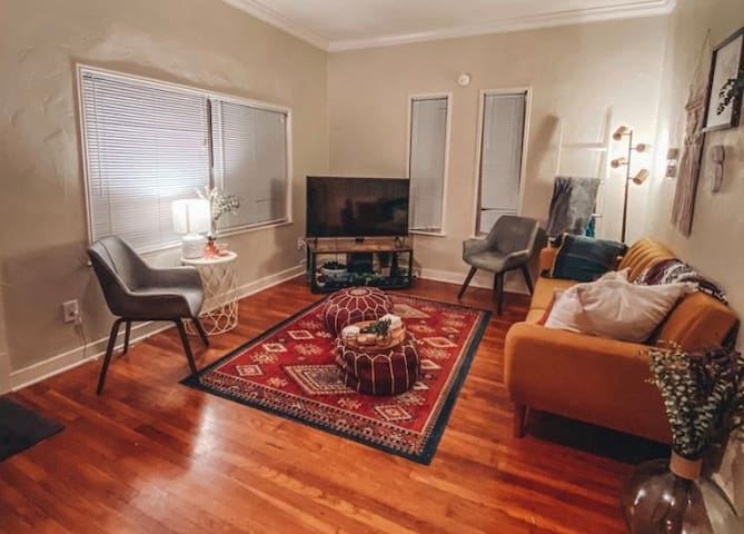 Cozy home just moments away from Historic downtown