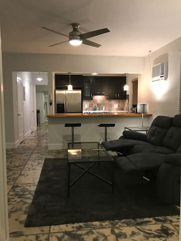 Comfy Retreat - 1.5mi from Beach/Las Olas
