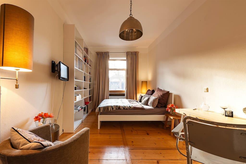 burgn he stylischer altbau mit eigenem bad wohnungen zur miete in n rnberg bayern deutschland. Black Bedroom Furniture Sets. Home Design Ideas