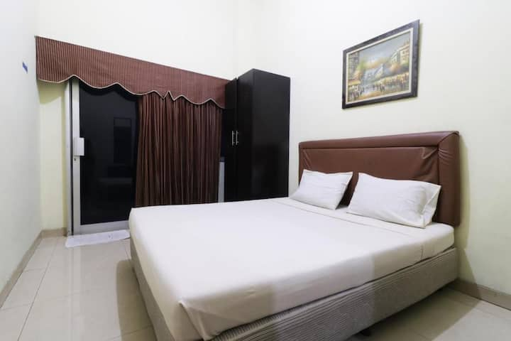 Clean and Comfy Room at Wisma Davinci Tanah Abang