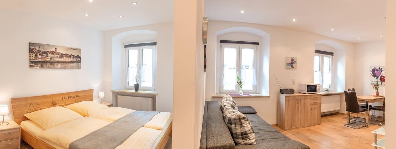 Ferienwohnungen Schmid (Regensburg), Wohnung (30qm) mit kostenfreiem WLAN in der Regensburger Altstadt
