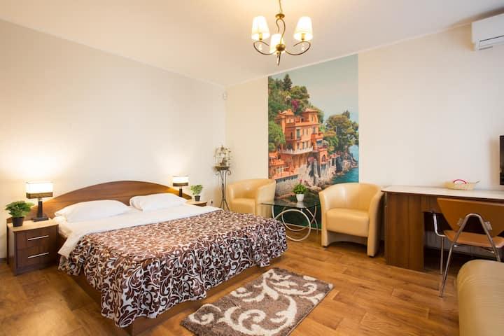 Отличная квартира в Центре - пер. Кравцова 13 (№2)