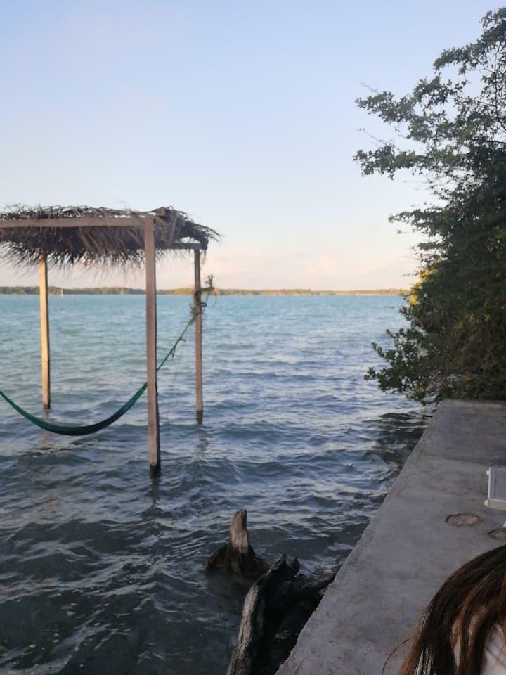 Nahualiztli, habitación con vista a la laguna.