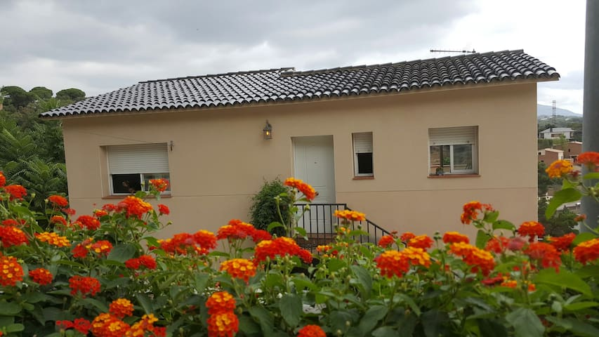 share house with free rooms - Santa Maria de Palautordera - Casa