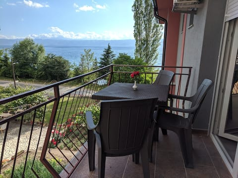 Ajkoski Apartments - Triple Room with Lake View