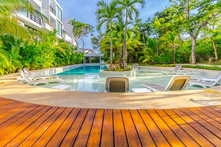Chic Luxe 3BR Oasis in Akumal! Pool! A/C!!