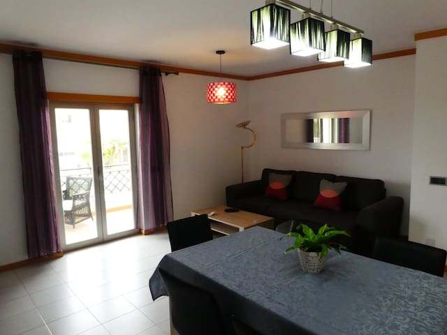 Idealy located 2BR apartment near Oura