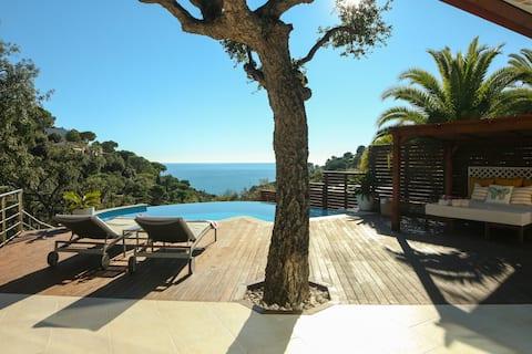 Estilo mediterráneo, piscina, a 200 m playa Nuevo