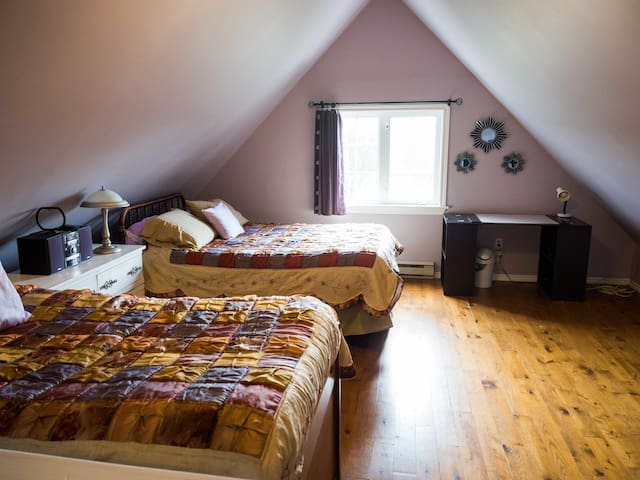 2 beds and very spacious room