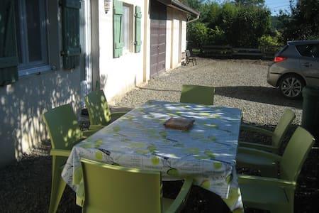 """Chambre d'hôtes """"LA BONNE PLANQUE"""" - Tasque - Casa"""