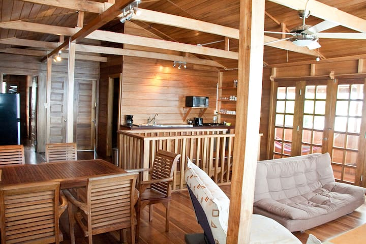 Seafront Two-Bedroom near Bocas center - Bocas del Toro Province - อพาร์ทเมนท์