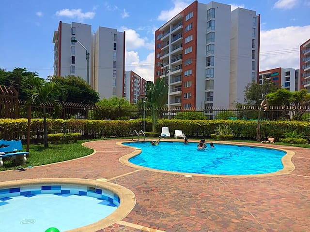 Alto Verde: Apto con piscina - Cali - Apartment