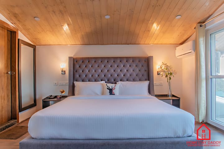 GIRNAAR - 2 Bedrooms |  Kasauli by HomestayDaddy
