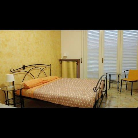 La Luna nel Pozzo B&B, camera Ticino - Lonate Pozzolo - Bed & Breakfast