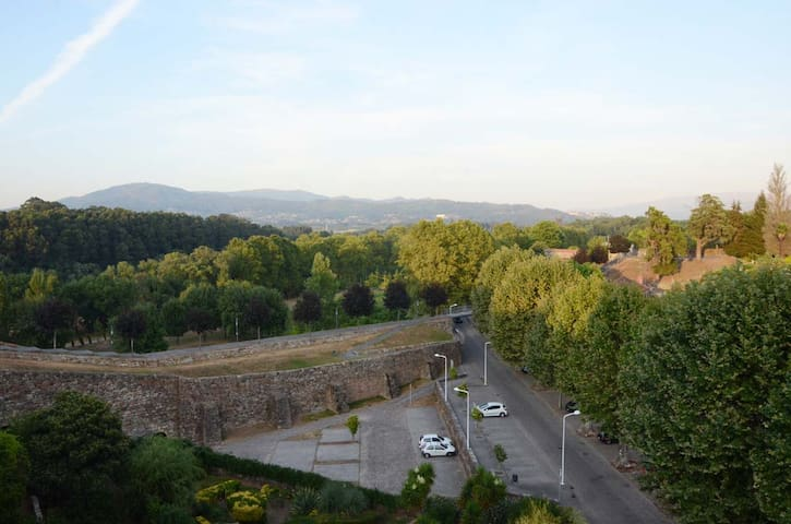 Au centre des murailles fortifiées de Monçao - Viana do Castelo District - Appartamento
