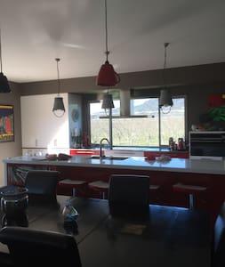 Mt Pisa Cherry/Fishing Lodge. - Mount Pisa - Bed & Breakfast