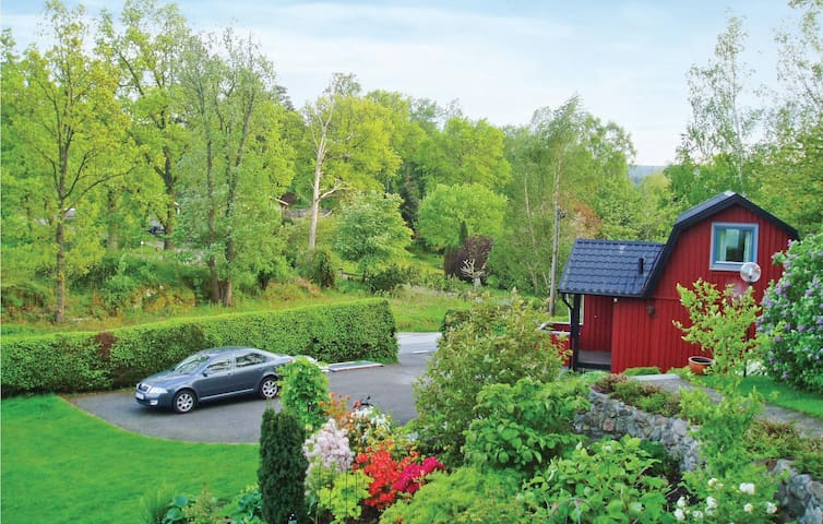 Holiday cottage with 1 bedroom on 38 m² in Ljungskile