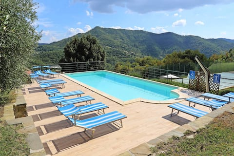 Lovely villa heated outdoor pool & tennis court