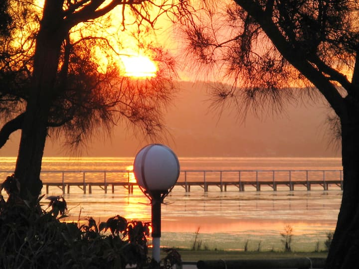 The Sunset Cabin Lakeside - Long Jetty NSW