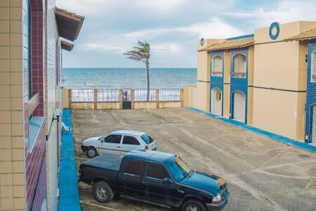 Apto em frente à praia, espaçoso e aconchegante.