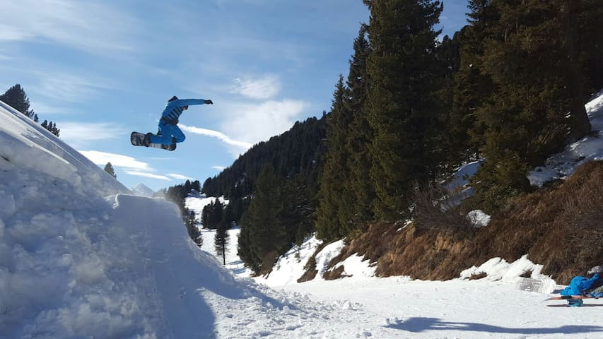 Next Level Snowboarding Package ! Go Shred ! - Ramsau im Zillertal - Apartamento