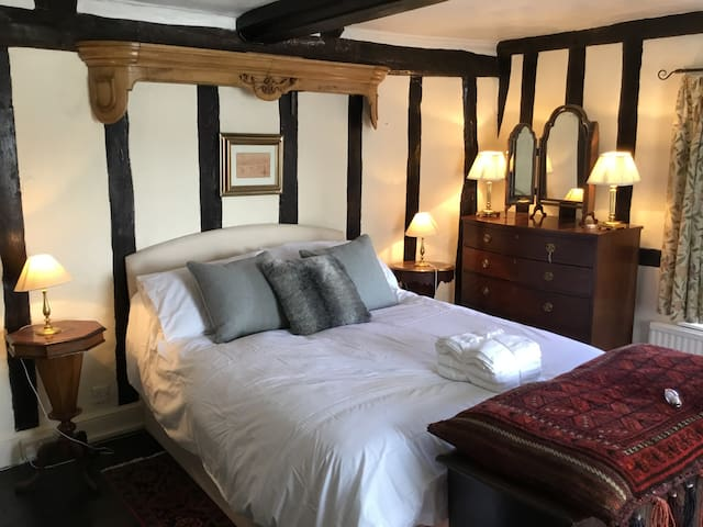 Historic South Norfolk village house sleeps 7