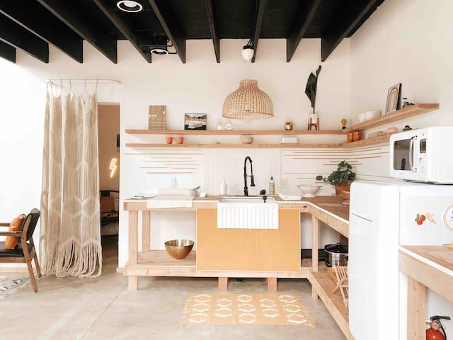 208Studio + Minimalist style studio + Loft