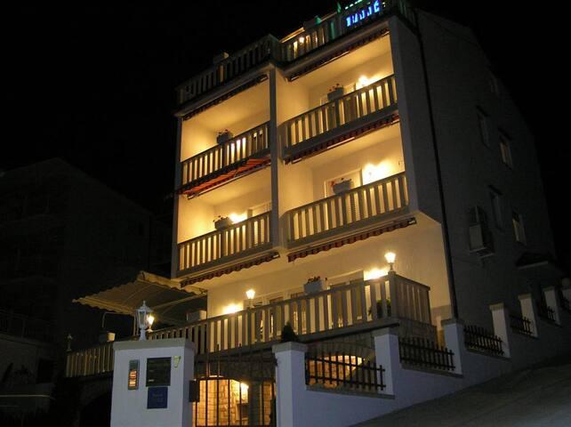 Ferienzimmer Villa Balic - Duće - Bed & Breakfast