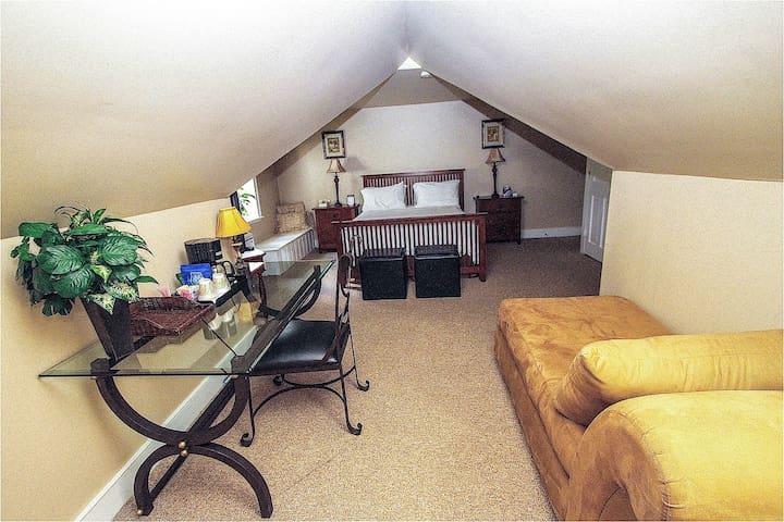 Michael David Room