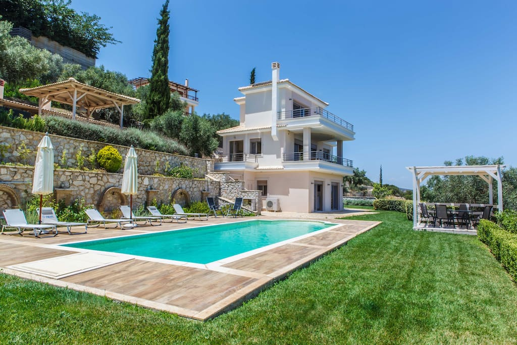 Villa Artemis with private Swimmingpool  & Jacuzzi