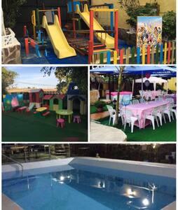 Villa ESPECTACULAR de 18 personas - Arucas - Σπίτι