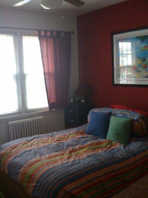 2nd bedroom - Full size bed