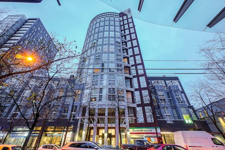 3 beds loft,DT,Petok,1BR+2 den, downtown Vancouver