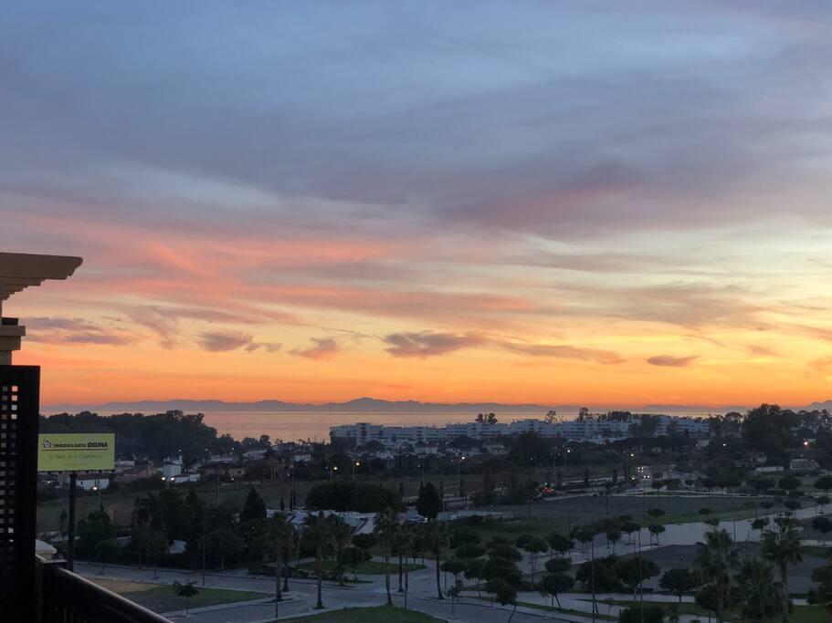 Vista desde terraza dormitorio al Africa y Gibraltar