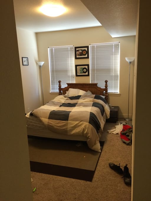 Room Fully furnished with desk to left of entryway.