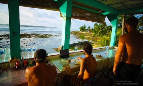 Raffiel Nias Surf camp The Deluxe Rooms